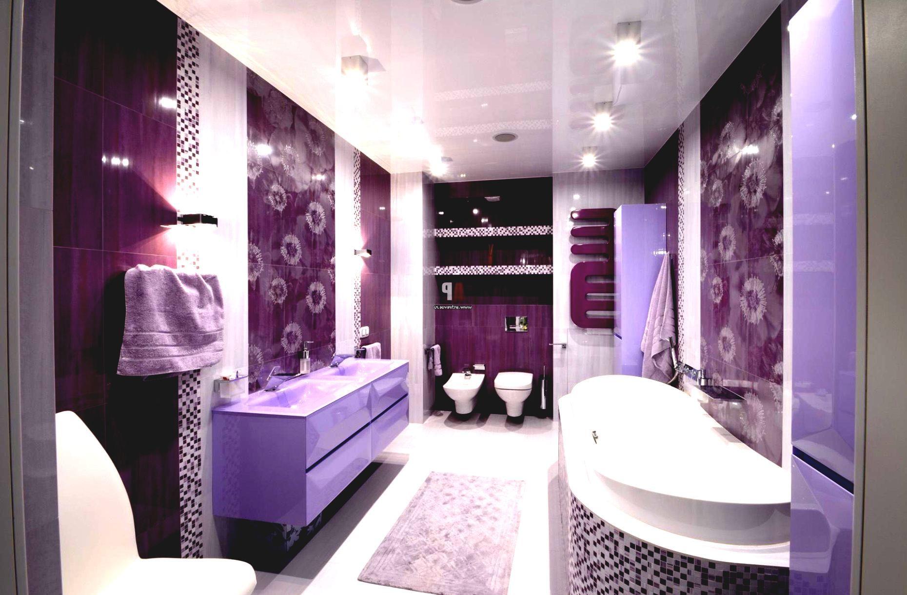 Дизайн маленькой ванной комнаты в сиреневых тонах