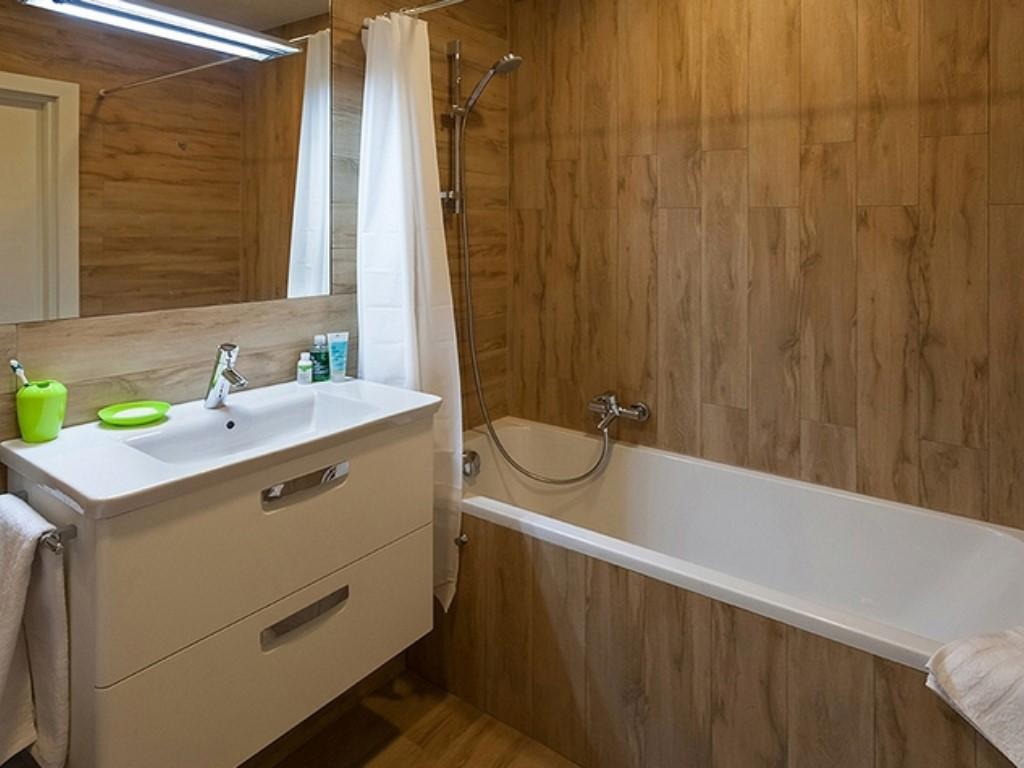 Интерьер стандартной ванной комнаты фото