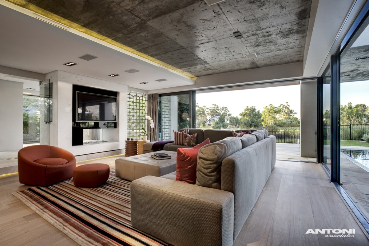 Стильный дизайн загородного дома