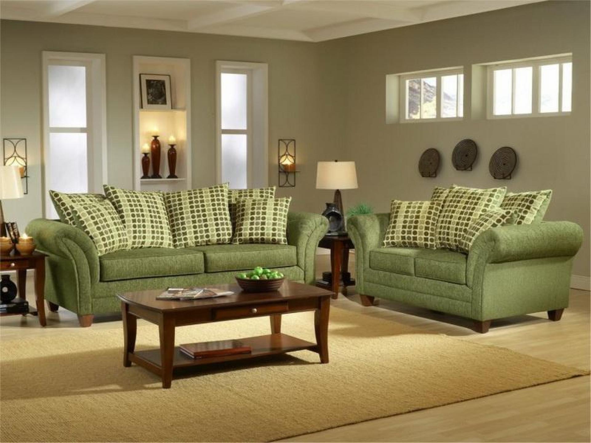 Оливковый диван в интерьере фото