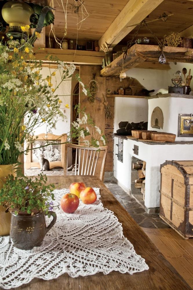 Дизайн маленького деревянного деревенского дома
