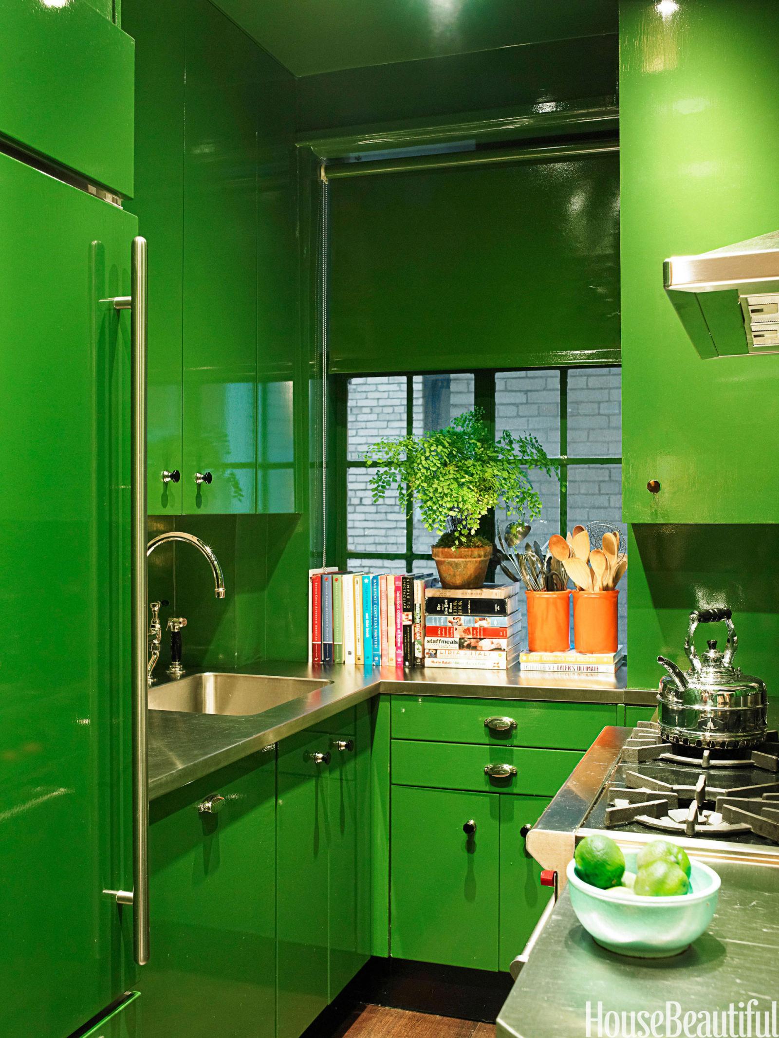 Кухня с зеленым потолком дизайн