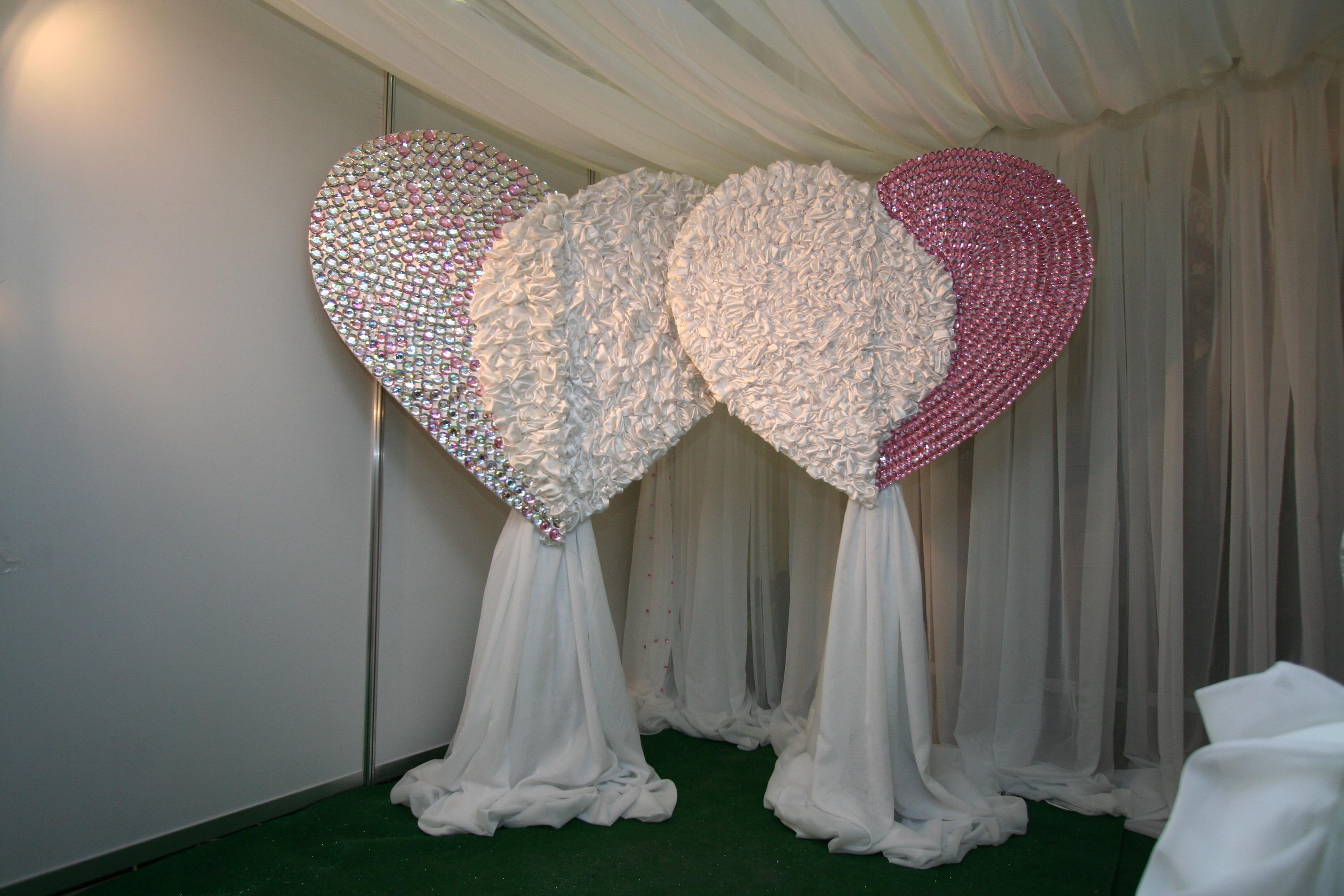 Чем украсить зал на свадьбу своими руками фото