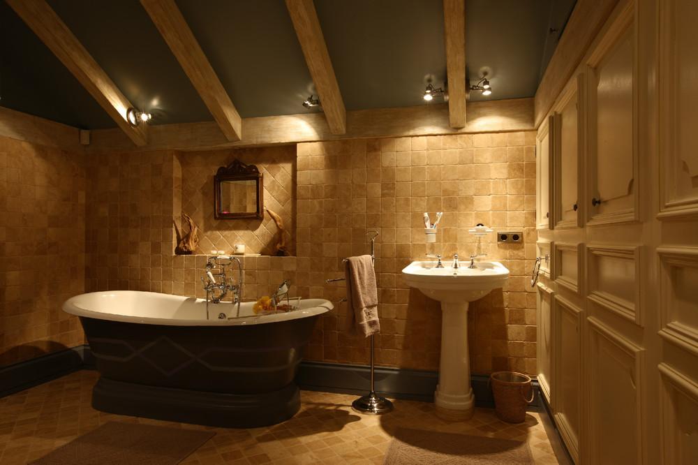 Дизайн ванной комнаты в загородном доме фото 2016 современные идеи