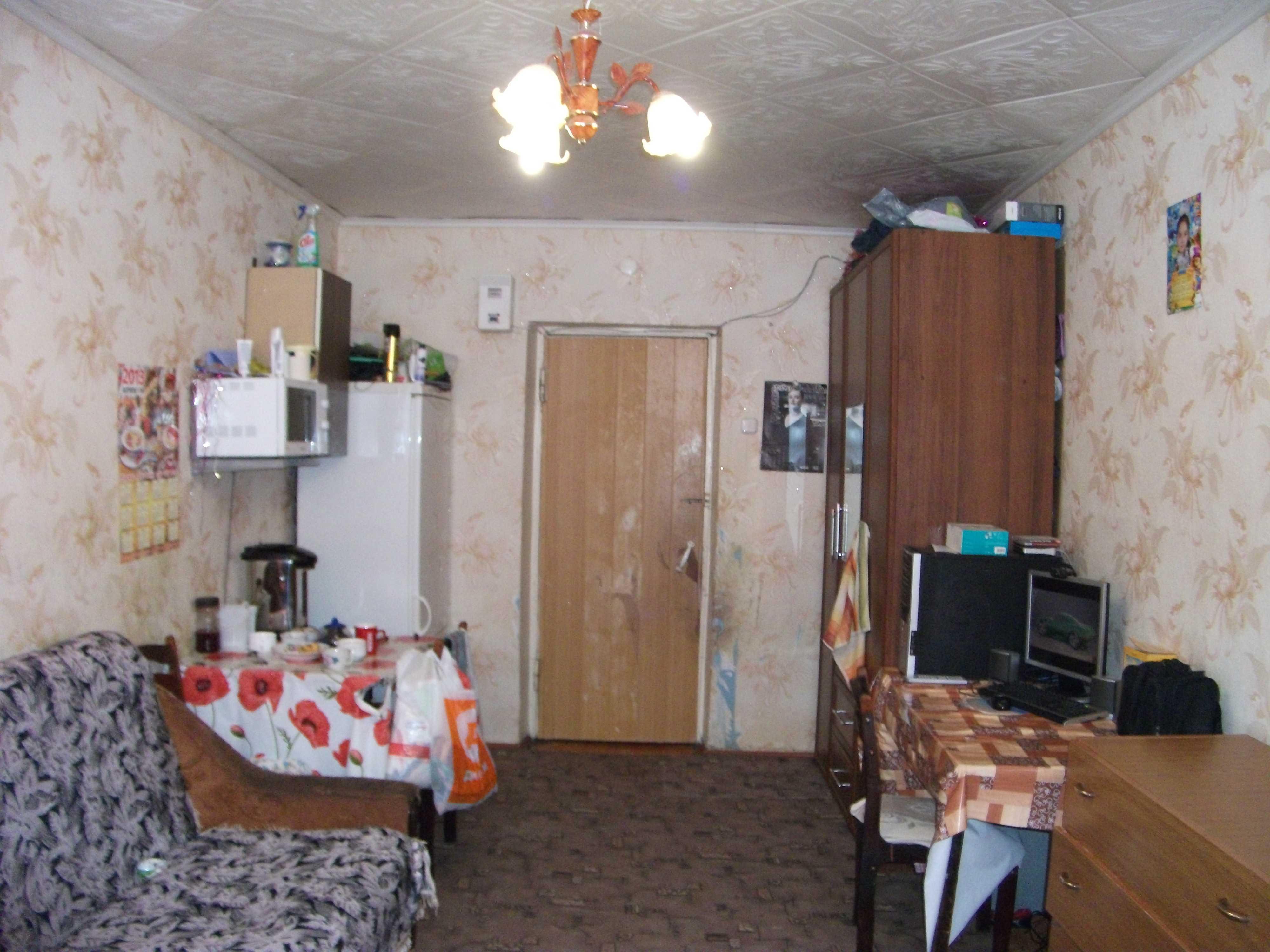 Дизайн комнаты 17 кв.м в общежитии фото