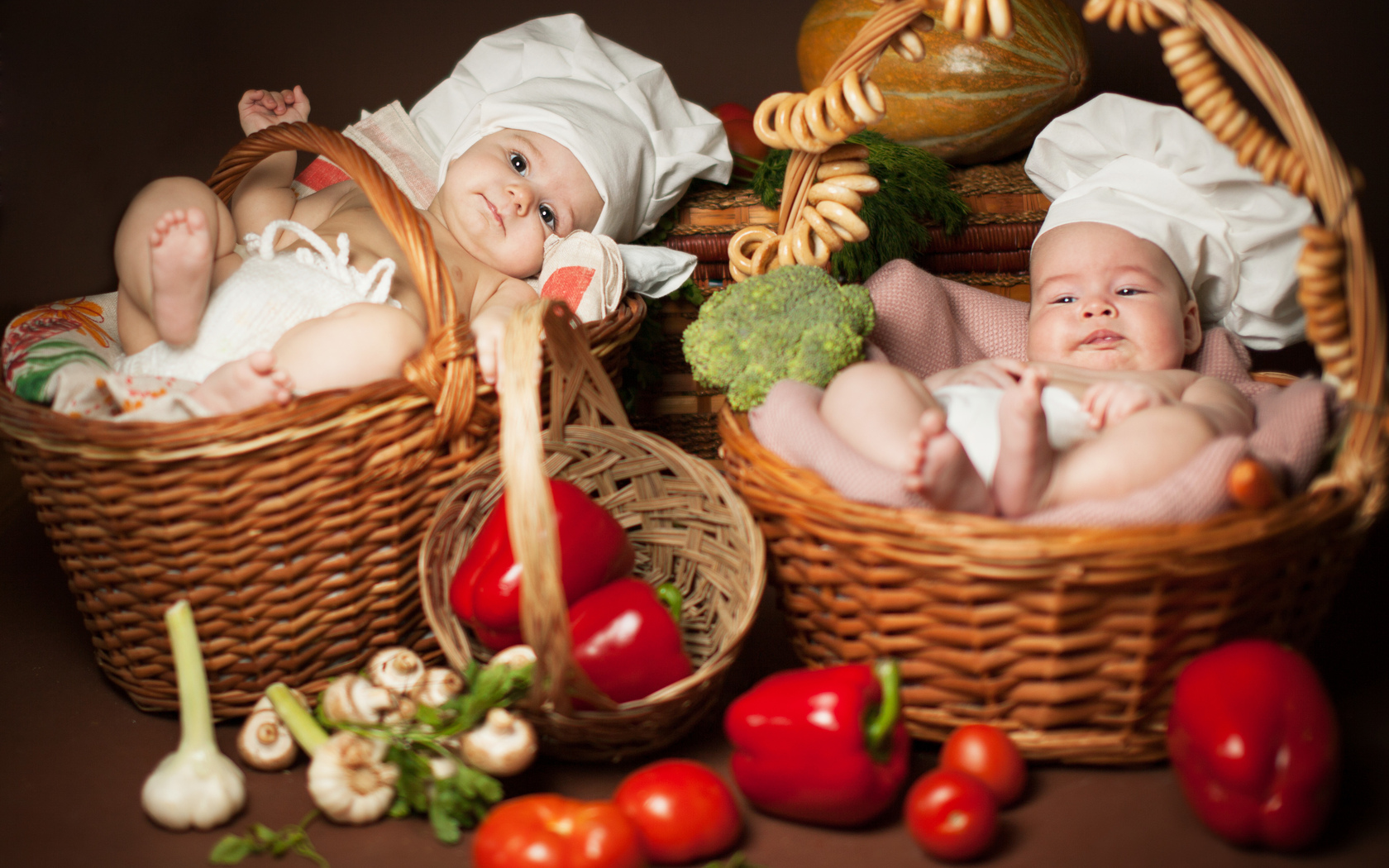 Обои на рабочий стол новорожденных детей