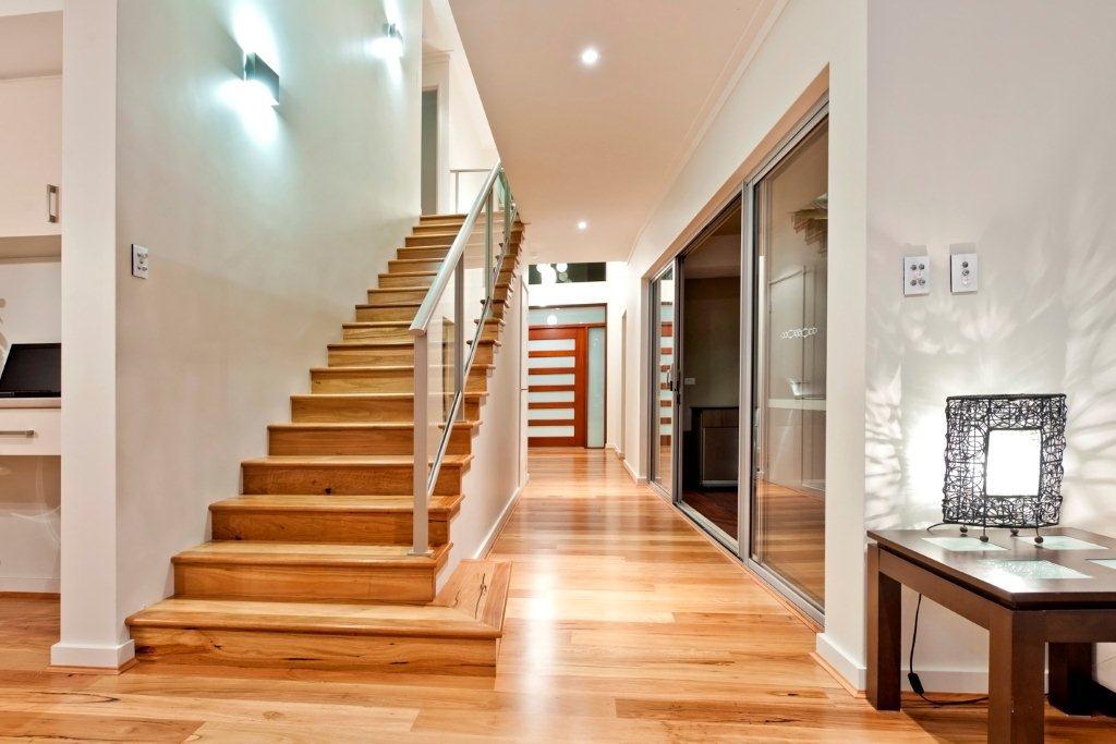 Ремонт лестницы в частном доме цена