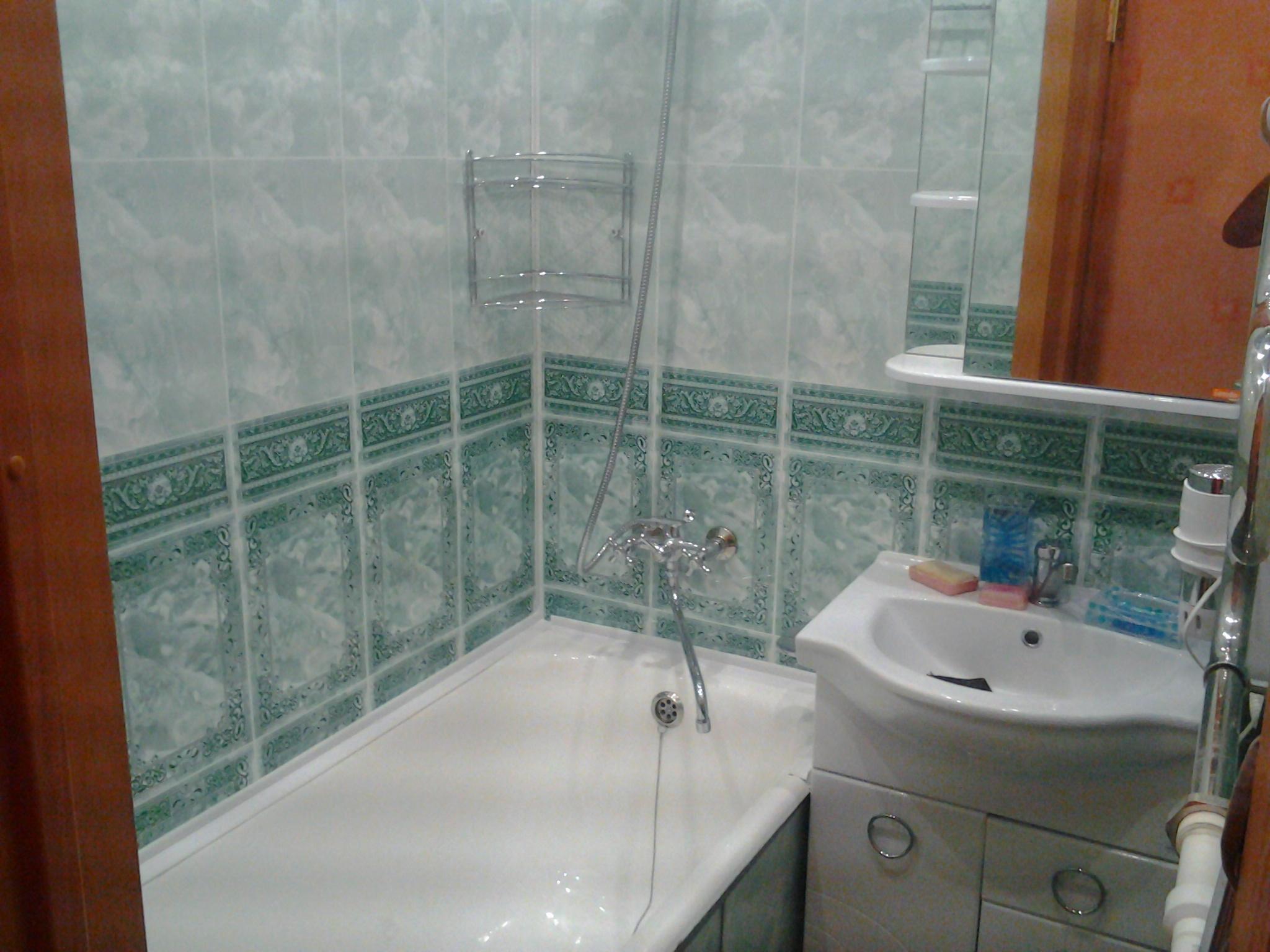 Пвх панели для ванной своими руками на клей видео