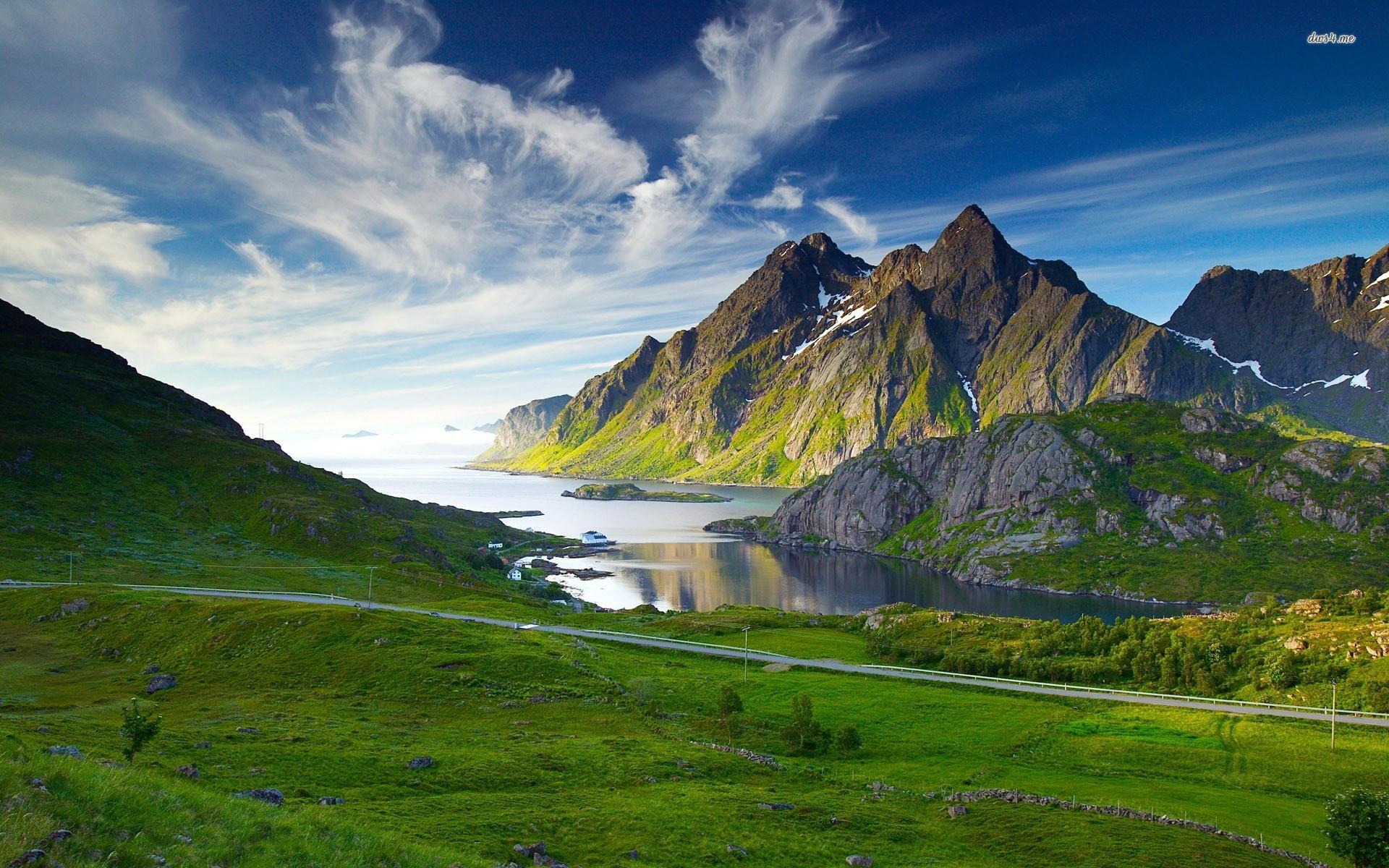 Горы и озеро  № 861492  скачать