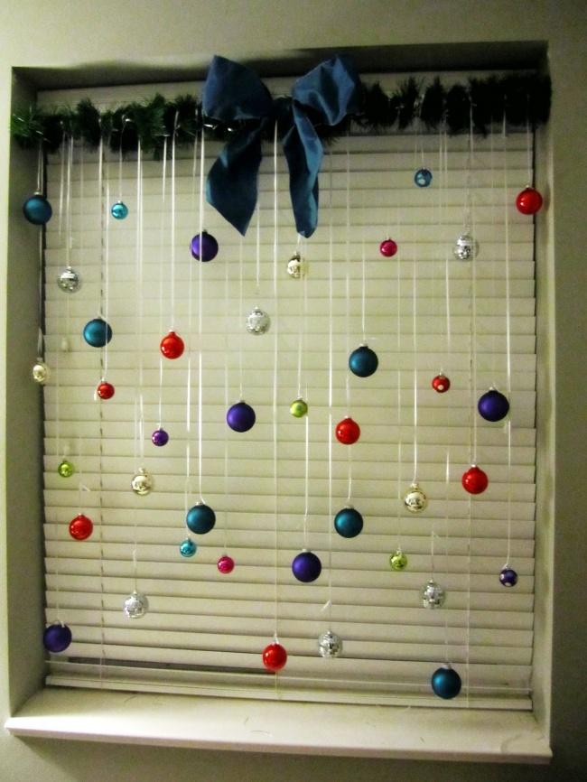 Как оригинально украсить комнату к новому году своими руками