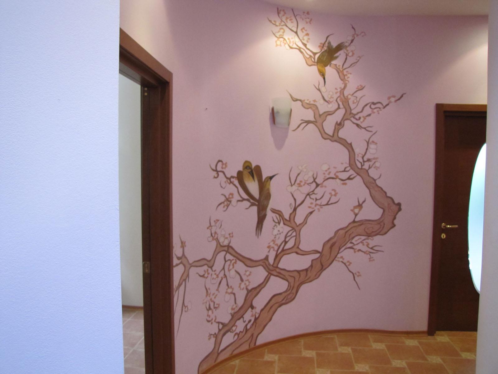 Рисунок на стене в прихожую своими руками