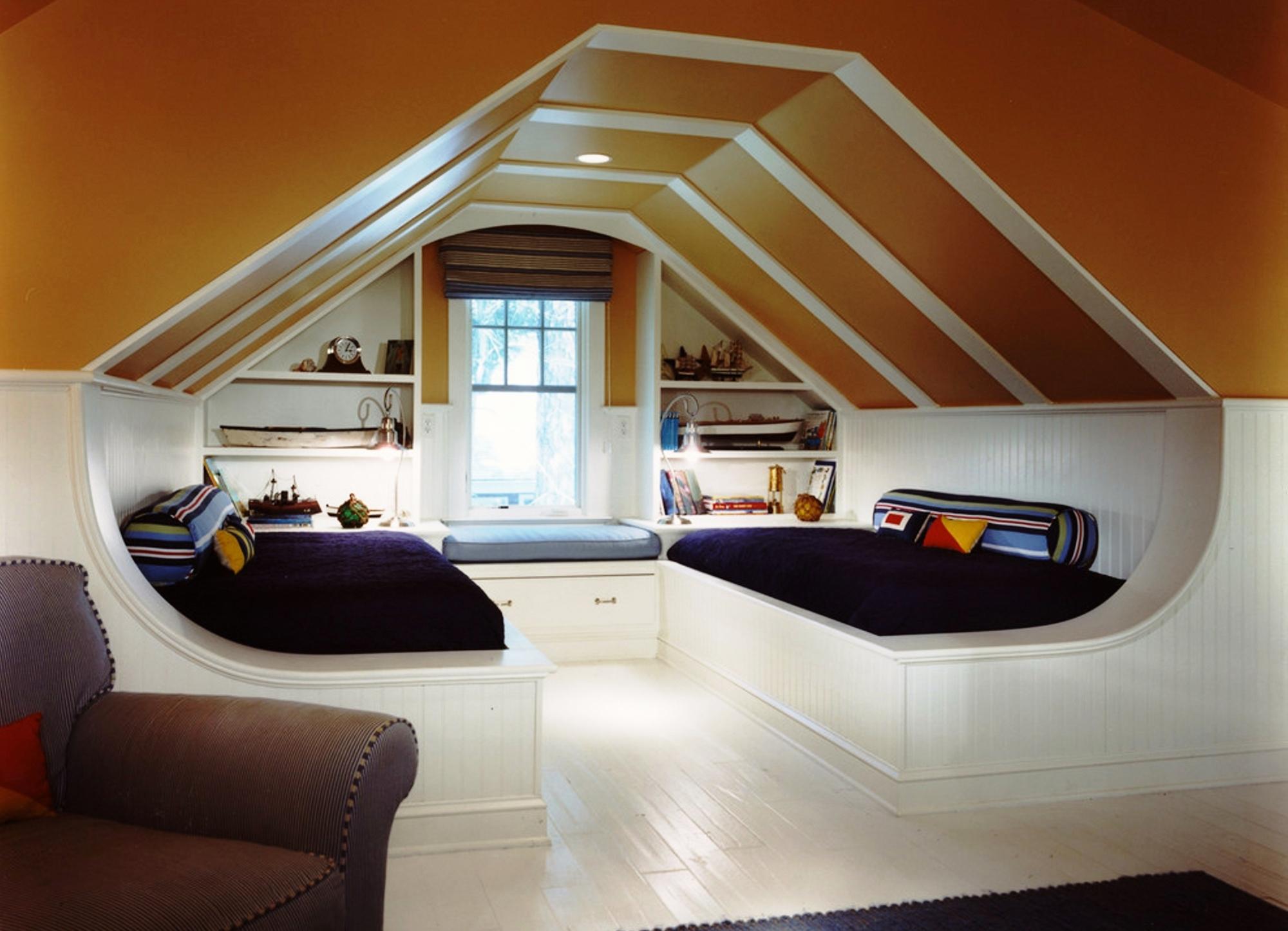 """Дизайн мансардного этажа на даче """" Картинки и фотографии дизайна квартир, домов, коттеджей"""