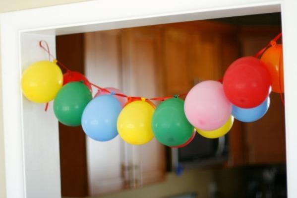 Украсить дом шариками своими руками