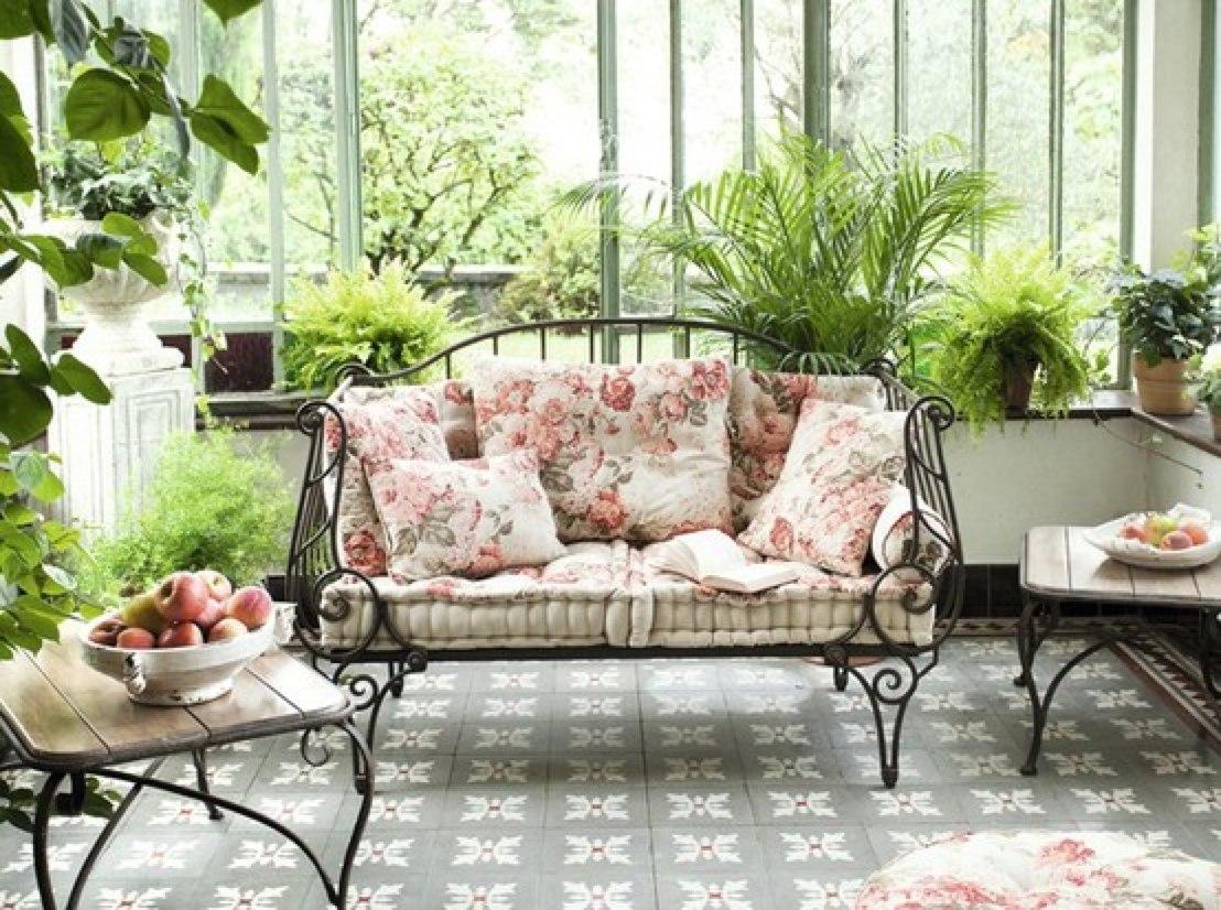 Интерьер в квартире с цветами фото