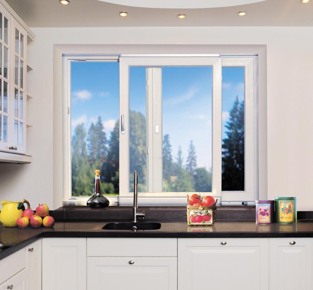 Раздвижные окна для малогабаритной кухни.