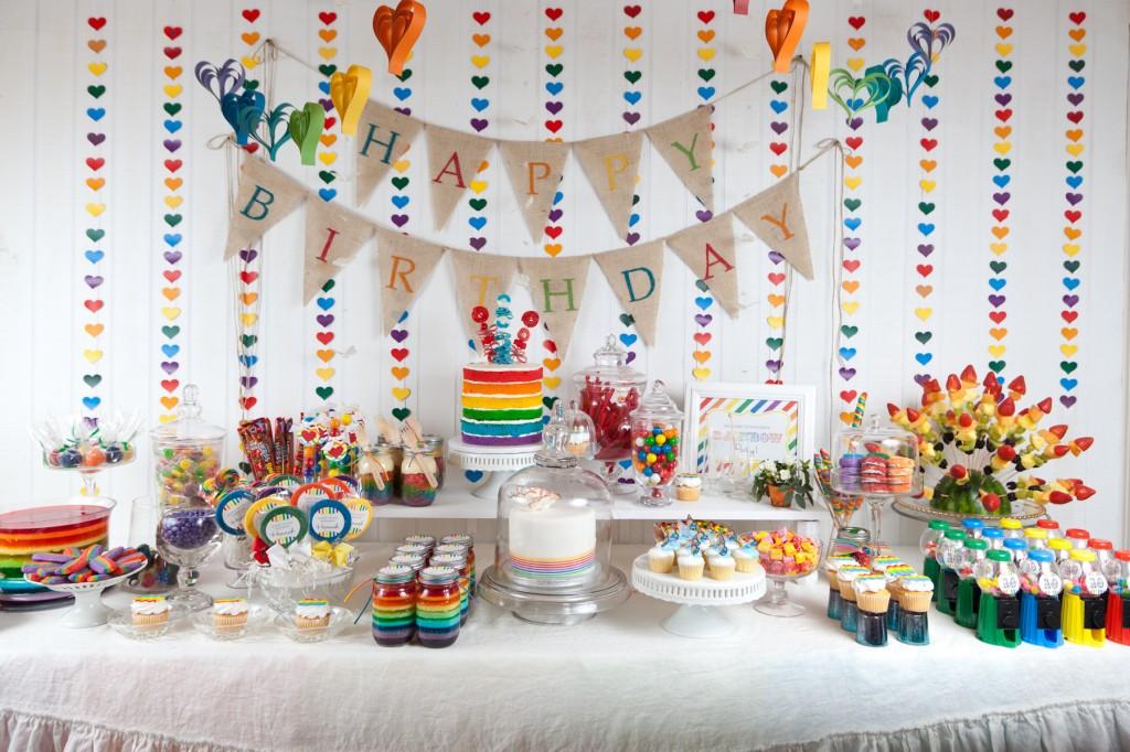 Украсить детский стол на день рождения своими руками 88
