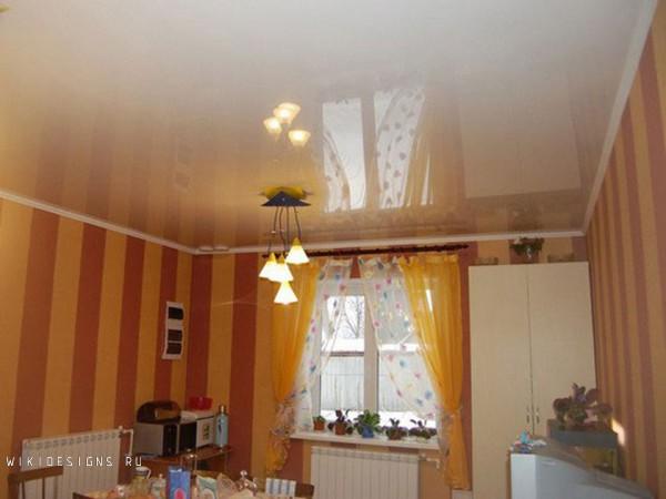 Натяжной потолок на кухне дизайн в хрущевке